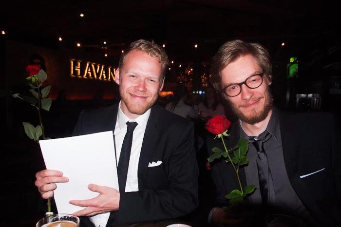 Päätoimittajat myhäilevät tyytyväisinä. Kuva: Vilho Pirttijärvi